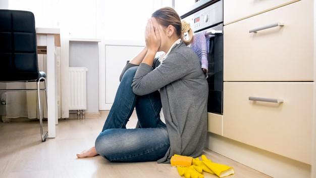 уборка квартиры, генеральная уборка, экспресс уборка, антивирусная дезинфекция, химчистка мебели, Clean Bee, Одесса, Одесская область